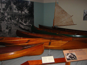 2007-Adk-Mus-canoes-L